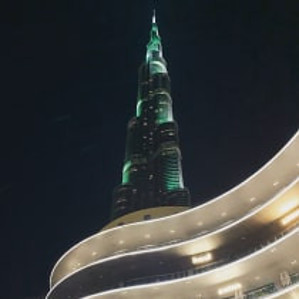 Burj Khalifa by @13weekstravel