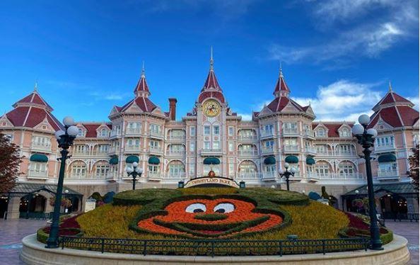 How to Travel to Disneyland Paris Hotel