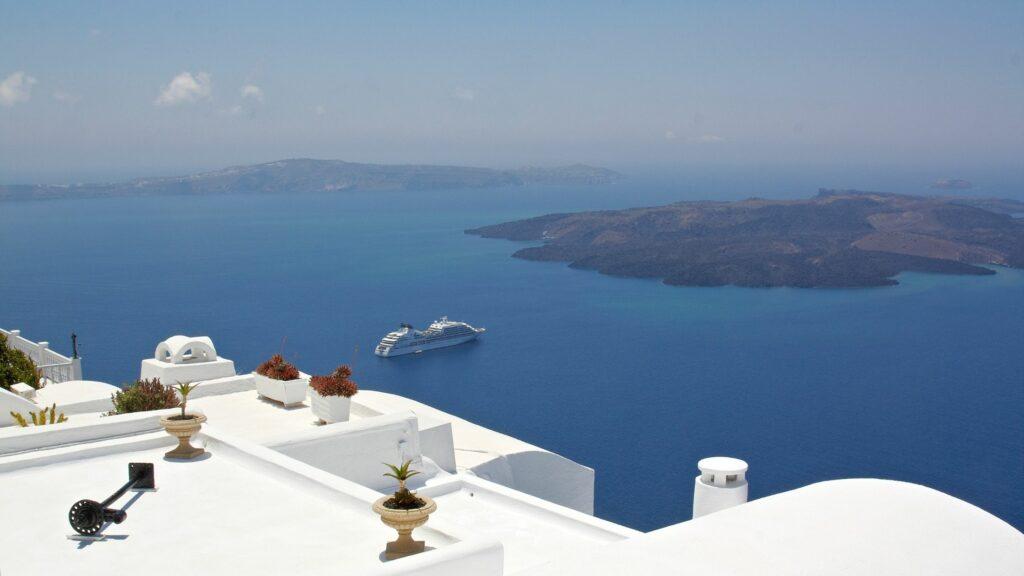 Best Santorini Pools with Infinty Pools 13 Weeks Travel stunning Santorini views