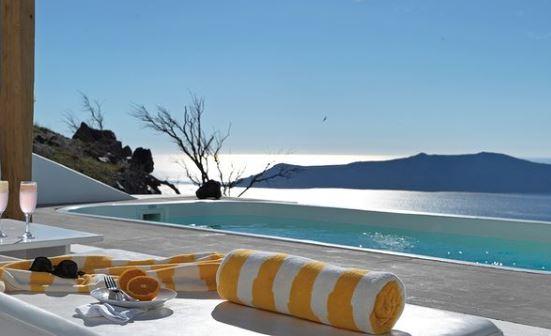Santorini Hotels with Infinity Pools   13 Weeks Travel
